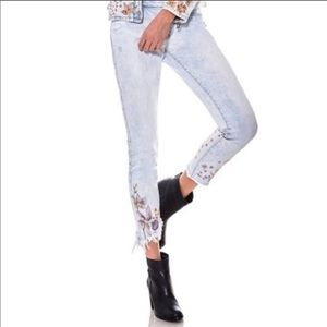 Blank NYC Floral Embroidered Skinny Jeans size 28